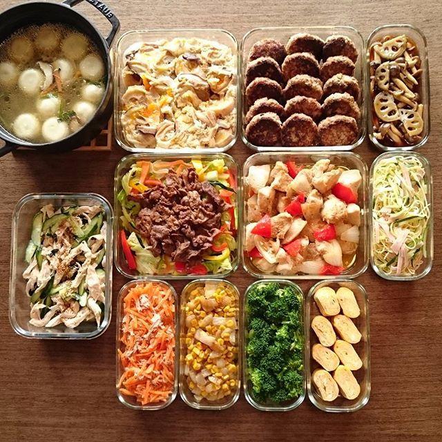 丸餃子スープ/麩の卵とじ/豆腐ハンバーグと和風あん/ゆで鶏ときゅうりの中華和え/野菜炒め(焼肉のせ)/鶏むね肉のマヨポン炒め/スパサラ/にんじんのツナサラダ/新玉コーンバター/ゆでブロッコリー/卵焼き これと、味玉。  丸餃子は生協のやつ。おいしい。  #作り置き #常備菜 #おかず #ストックおかず #料理 #cooking #instafood #foodphoto #staub #ストウブ #うちごはん #ごはん #instacook #instahomemade #homecooking #food #cooking #kurashiru