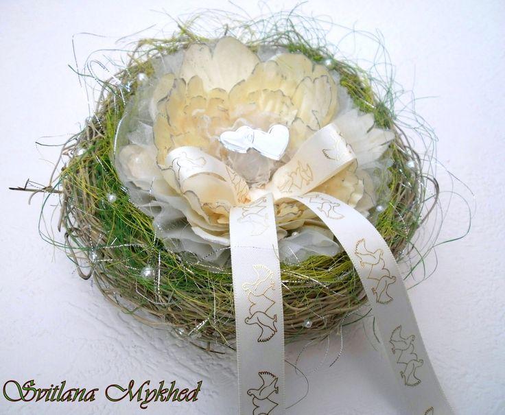 Porte Alliances `Tendresse`. Incrusté de perles nacrées. Création unique : Accessoires de maison par perles-et-couronnes