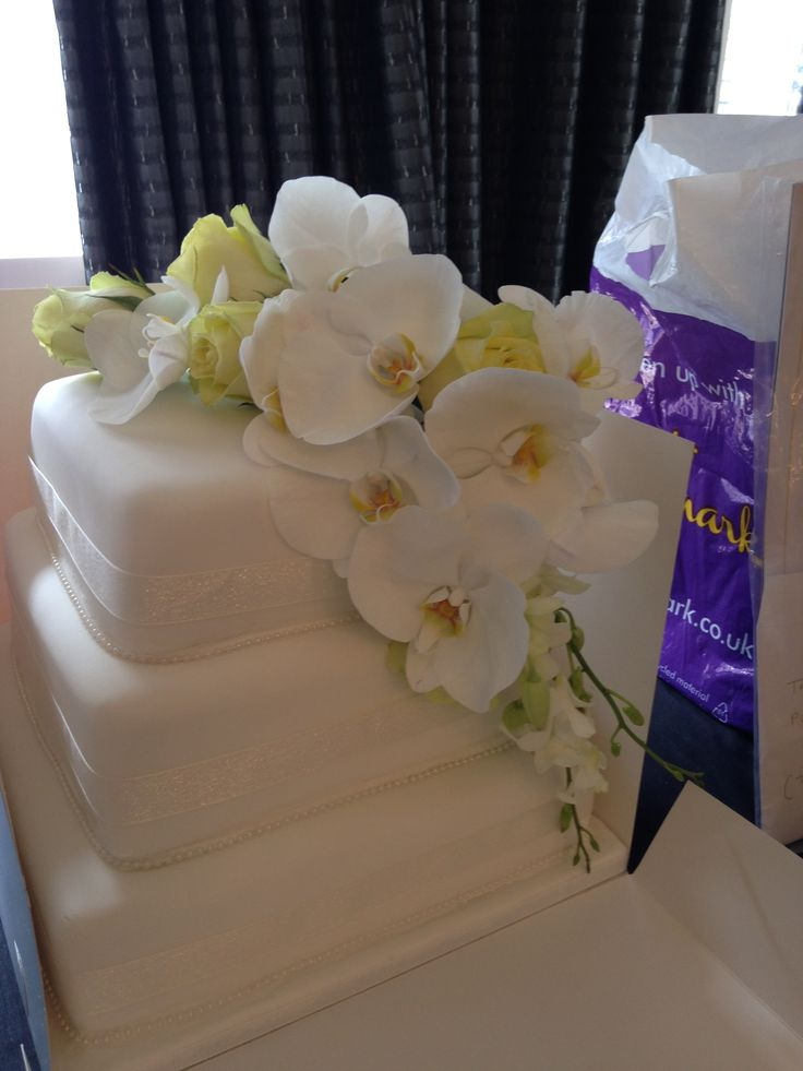 Orchid and Rose Cake flowers