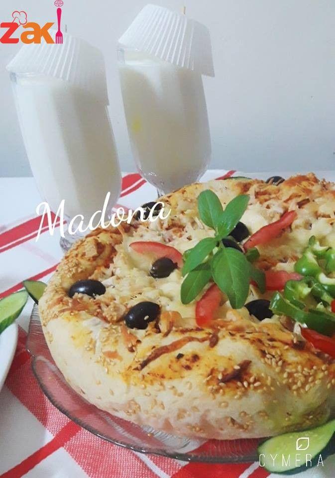 طريقة كيك وفطيره البيتزا بالدجاج زاكي Sweet Pastries Food And Drink Food