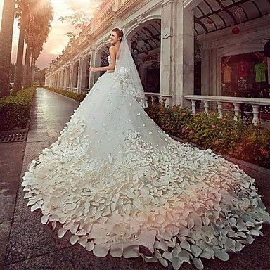 A-Linie / Prinzessin Hochzeitskleid Vintage Inspirationen Kathedralen Schleppe Trägerlos Satin / Tüll mit Perlstickerei 2016 - €489.99