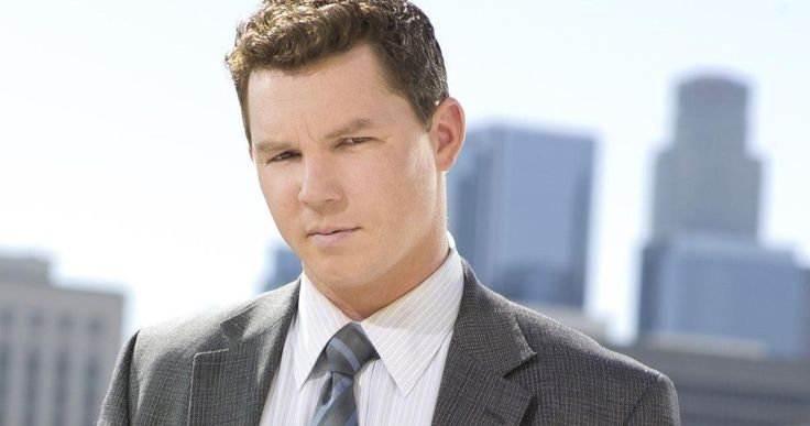 'Fear the Walking Dead' Adds 'Southland' Star Shawn Hatosy -- 'Southland' star Shawn Hatosy has booked a recurring role in AMC's 'Fear the Walking Dead', playing a soulful military veteran. -- http://movieweb.com/fear-walking-dead-cast-shawn-hatosy/
