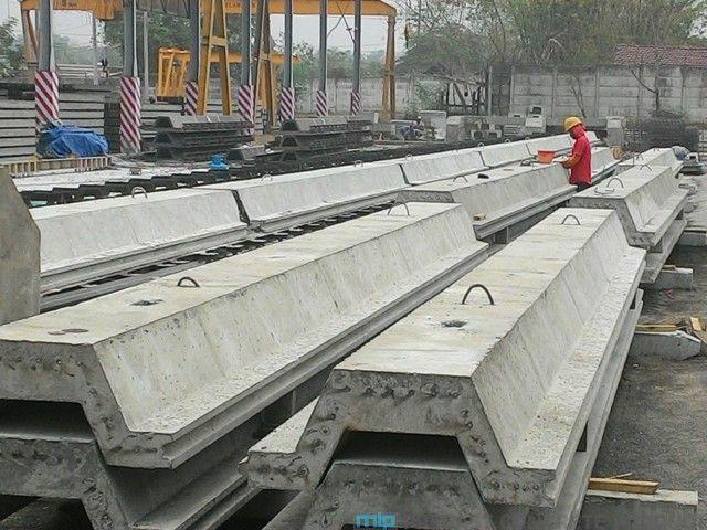 Sheet pile beton (concrete sheet pile), terbuat dari batang beton bertulang yang diciptakan dengan ukuran penampang dan panjang tertentu, yang diaplikasikan sebagai salah satu solusi untuk dinding pembendung tanah. Dia juga tak jarang diaplikasikan untuk melindungi keruntuhan imbas tekanan tanah lateral di sisi belakang dinding turap. Dari segi progres, dinding turap bisa dibedakan menjadi empat …