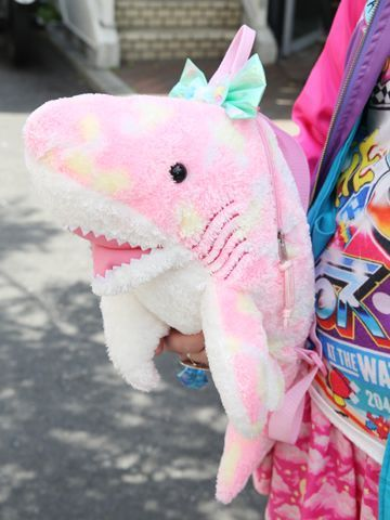 Omigosh this shark is my friend~ .////. | Fashion Wants! | Pinterest