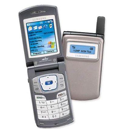 2003 : le premier téléphone 3G de #Samsung est né : c'est le#SamsungSCH-i600 !