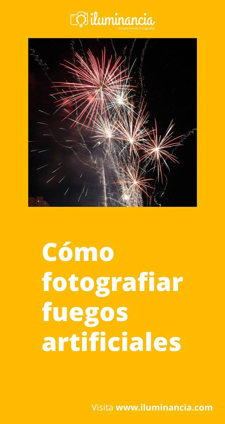 Esta guía rápida con sencillos consejos te permitirán saber cómo fotografiar fuegos artificiales en la noche vieja de este año, y también en cualquier otro día de año...