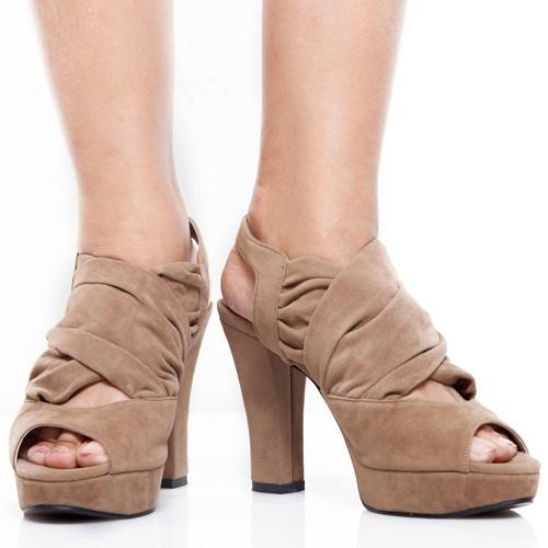 Eight Shoes - Keona Brown Chunky Heels - Rp. 279.500