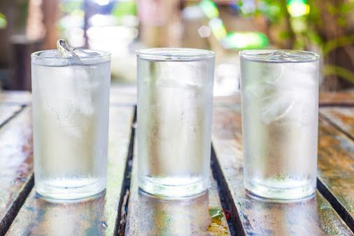 3 Reasons to Drink Water B4 meals 1-Helps you lose weight, 2- Improves dry Skin, 3-Energizes your day #ExpressWater