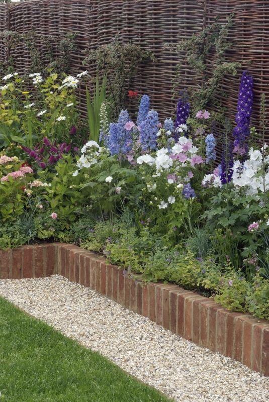 Les 25 meilleures id es concernant le tableau bordure de brique sur pinterest bordure de - Bordure jardin bois tresse ...
