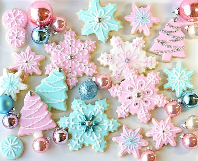 Pastel Snowflake Sugar CookiesPink Christmas, Christmas Cookies, Vintage Winter, Blue Christmas, Cookies Decor, Holiday Cookies, Christmas Sugar Cookies, Pastel Colors, Winter Birthday