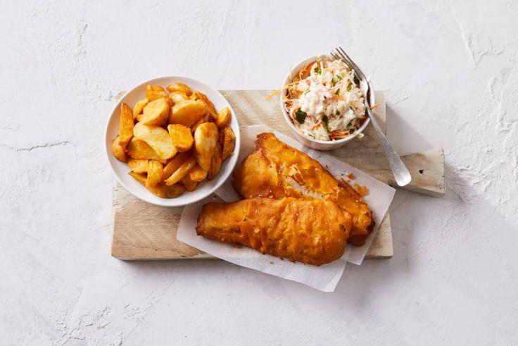 De Hollandse variant van de Britse fish & chips: lekkerbekjes met gebakken aardappel. - Recept - Allerhande