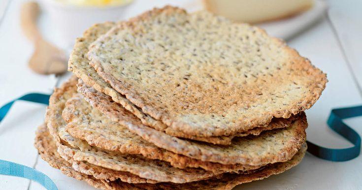 Det här glutenfria brödet passar lika bra till midsommar som till frukostmackan året om! /Smilla