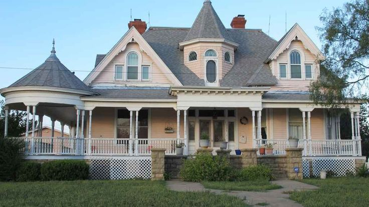 168 best queen anne houses images on pinterest historic for Custom victorian homes