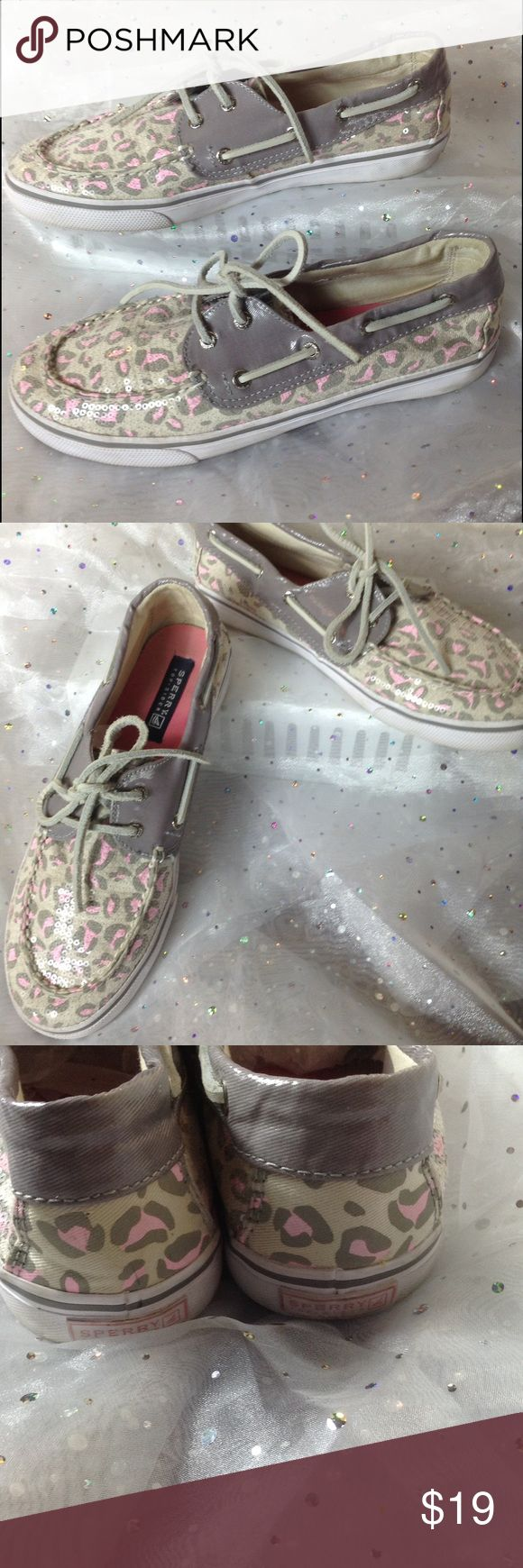 🎀 GIRLS Sperry Sequin Leopard Top-Siders Let loose and get wild!  Light gray with pink leopard print top siders with a top layer of sequins.  Insole is nice and springy foam.  Great pre-loved condition!  Also fits women's size 7.5. Sperry Top-Sider Shoes