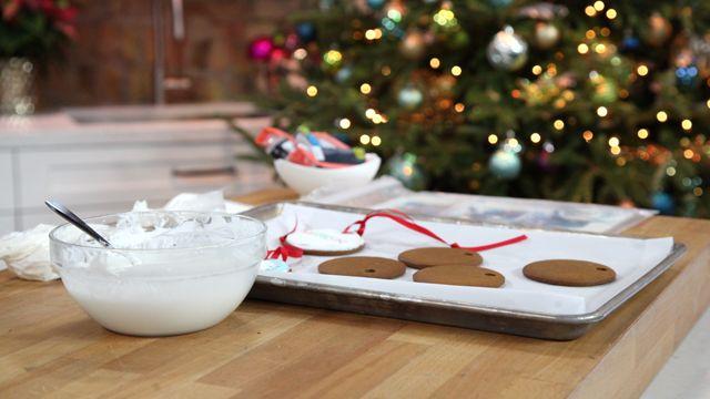 RECIPE: Royal Icing #Baking #Recipe #Christmas
