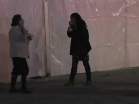 Rita Barbera tirando petardos.
