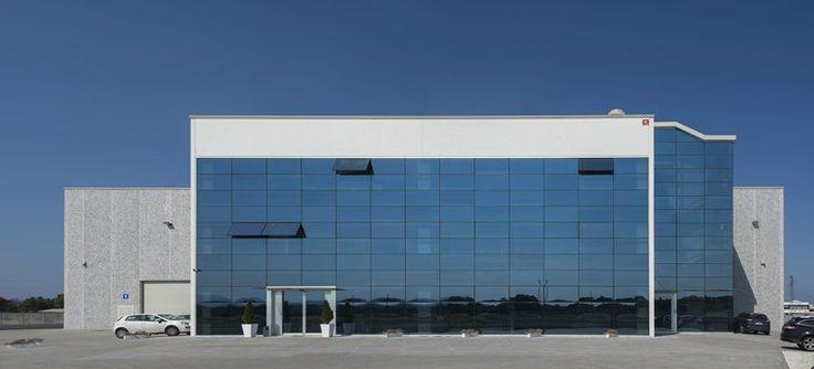 En Nova Argonautica Representamos a Forniture Nautiche Italiane en España y Portugal.FNI es la mayor cooperativa de Fabricantes de Accesorios Náuticos y Lider indiscutible en el suministro de materiales Nauticos en Italia. FNI dispone de un Catalogo de Accesorios Náuticos compuesto por más de 10.000 referencias con un stock constante del 95% , lo que le permite disponer delSeguir leyendo