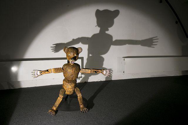 Vzdáleni kořenům / výstava / exhibition / columbie / shadow / http://www.pifpaf.cz/cs/vzdaleni-korenum