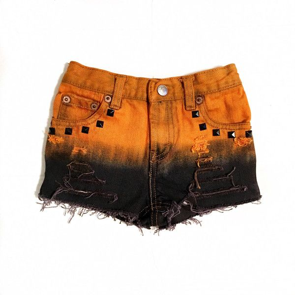 Jack-o-Lantern shorts, pantalones cortos de Halloween, disfraces de... (£21) ❤ liked on Polyvore featuring shorts, studded denim shorts, denim shorts and studded shorts