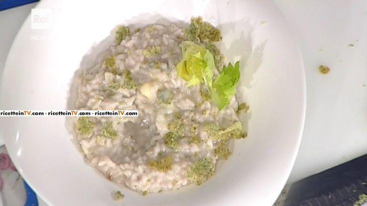 """La ricetta del risotto con gorgonzola e noci di Sergio Barzetti del 3 novembre 2016, a """"La prova del cuoco""""."""