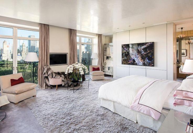 Das größte der vier Schlafzimmer im Penthouse. Es verfügt über zwei begehbare...