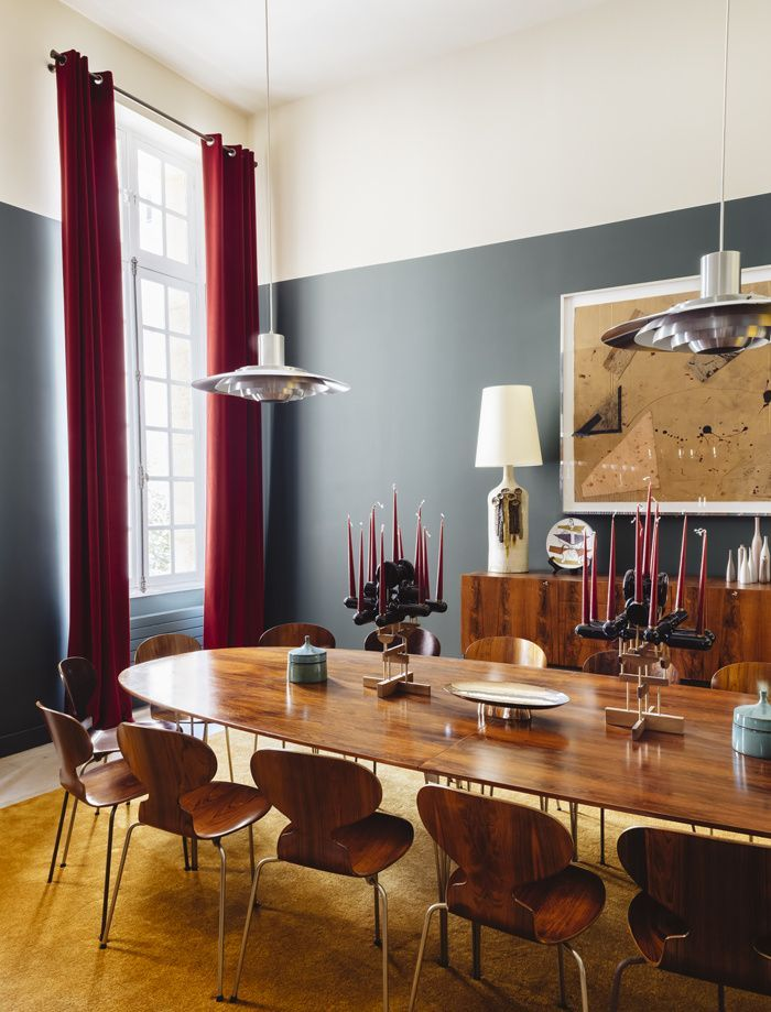 Elegant dining room with mix of modern and antique furniture on Thou Swell @thouswellblog
