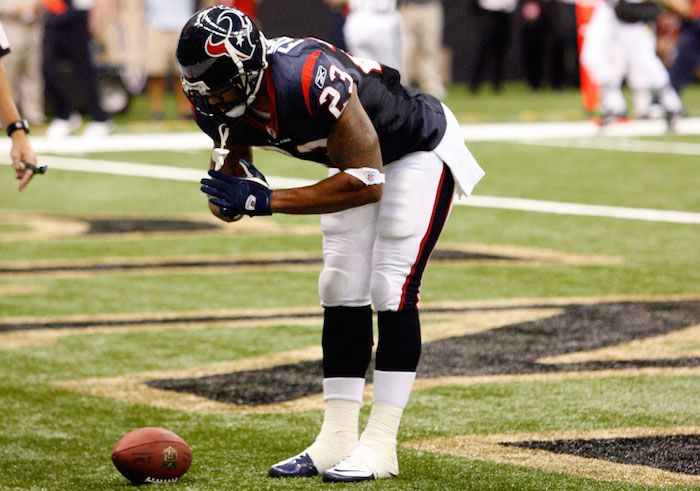 Houston Texans running back Arian Foster loves yoga and meditating—and you really won't believe how much kale he eats.