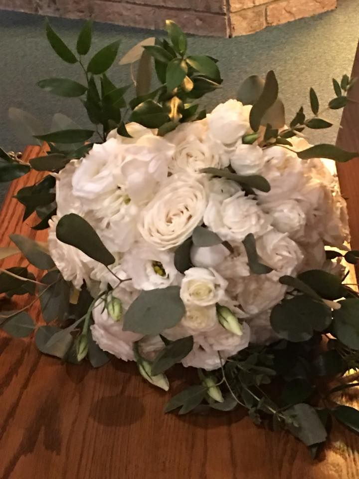 Wedding Décor  Florals at the Giovanni Caboto Club in Windsor