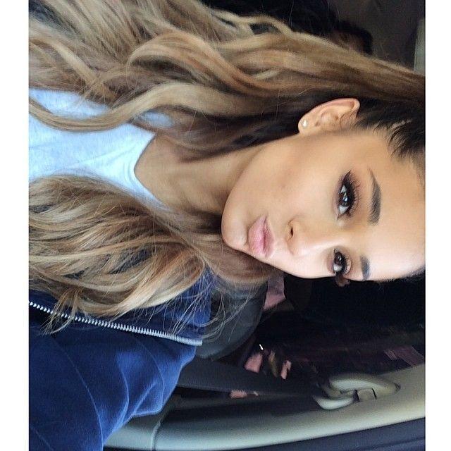 Ariana Grande @arianagrande | Websta-she reminds me of u!! So pretty!