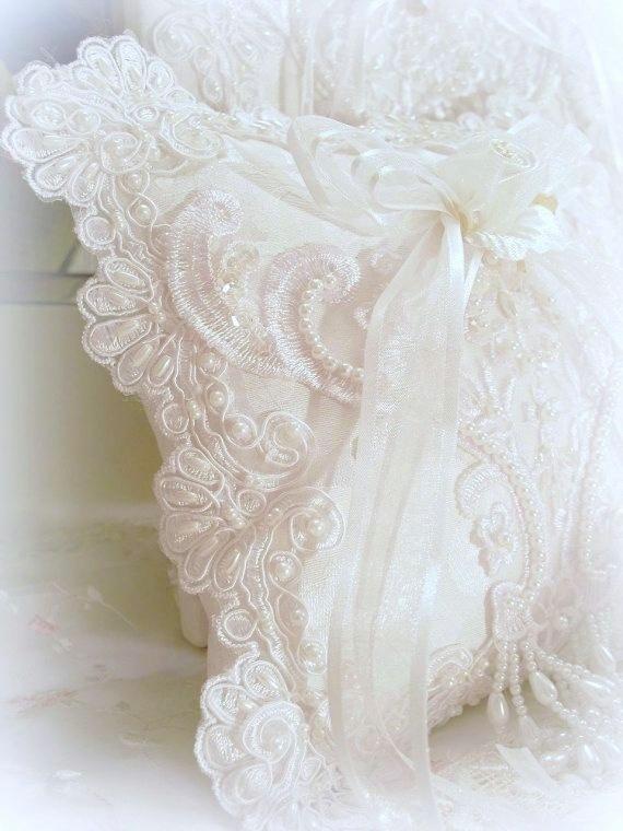 white lace pillow ✿⊱╮