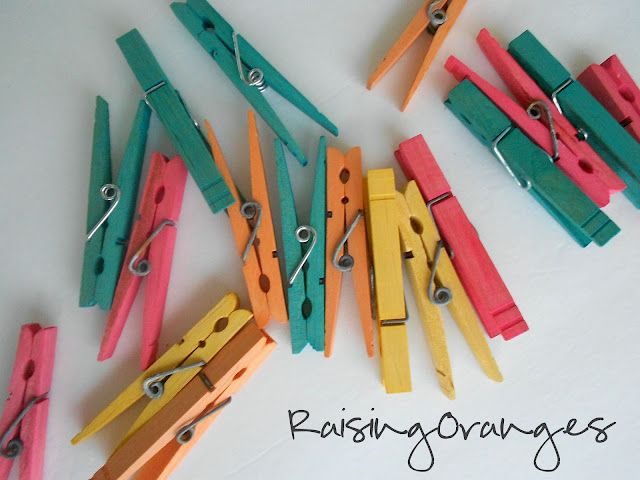 How to Dye Clothes Pins - from Raising Oranges: Dyes Clothespins How, Great Idea, Rai Orange, Clothing Pin Great, Clothespins How Simple, Raised Orange, Crafty Inspiration, Dyed Clothespins, Dyes Clothing Pin