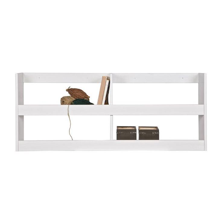 Deze stoere Woood Dennis wandplank bestaat uit meerdere planken die samen twee legplanken vormen. Op deze planken kunnen de kids hun speelgoed, boeken en andere spullen zetten. Het geborstelde grenen zorgt voor een stoere doorleefde vintage look!