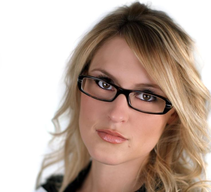 Choosing eyeglass frames for women with round faces can be a daunting task. Here are some tips and ideas on how to choose one.