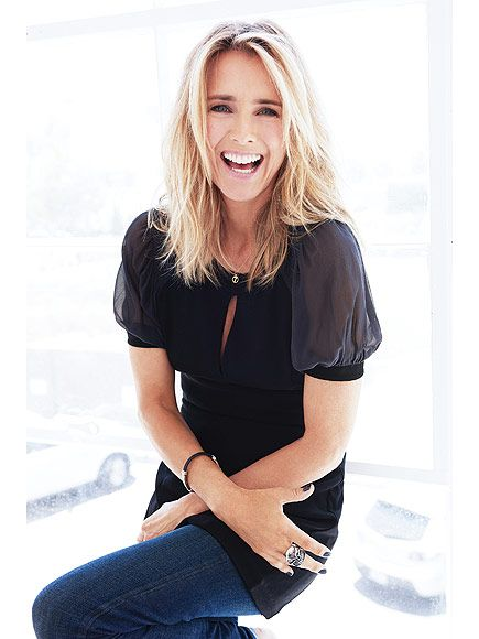 Awe Inspiring 1000 Images About Tea Leoni Style On Pinterest Short Hairstyles For Black Women Fulllsitofus