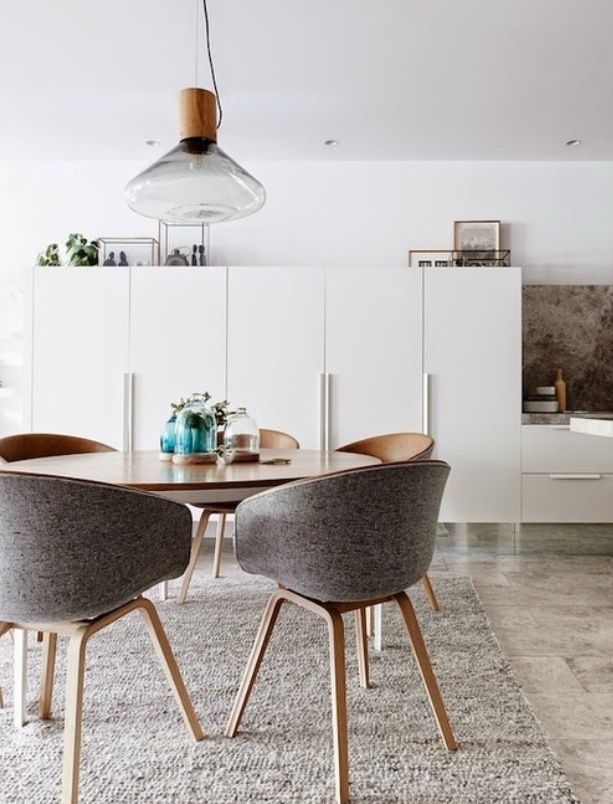 Simplicity Even is not minimalism completely... It's very modern and close to it.  Tips, ideas and incredible solutions for home. Rocio Fernandez is an interior designer focus on creating space that fits you. www.insideesign.com and discover all about design and decoration.