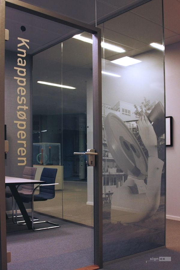 Glass film meeting room, art image with fade