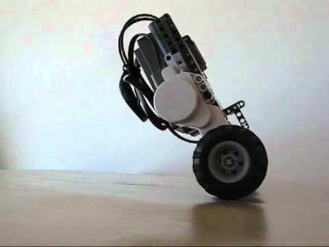 ▶ LEGO NXT Balancing Road TwoWheels Robot - YouTube