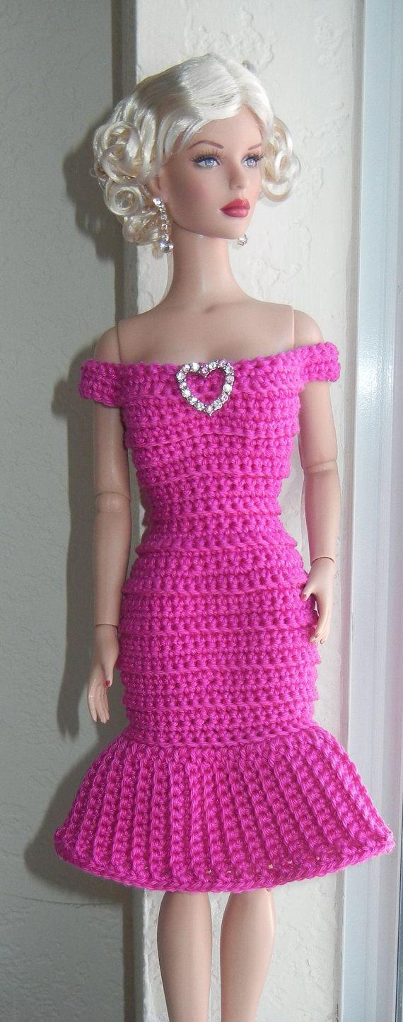 Free Knitting Patterns For Tonner Dolls : 1000+ ideas about Crochet Doll Dress on Pinterest ...