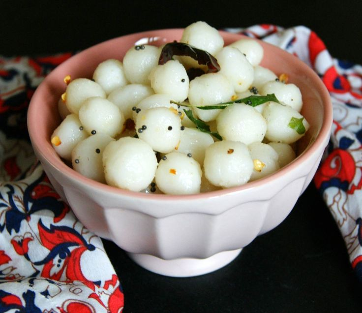 TheChettinad Style Uppu Mani Kozhukattai Recipe is a traditional south indian rice flour based dumpling that is made during festivals especially Ganesh Chaturthi. A rice flour porridge is made which is then shaped and seasoned with mustard asafoetida and curry leaves. Serve theChettinad Style Uppu Mani Kozhukattai Recipe for festivals like Ganesh Chaturthi and make the festival really special for your family. If you are looking to makeKozhukattai for festivals then you must try these classic…