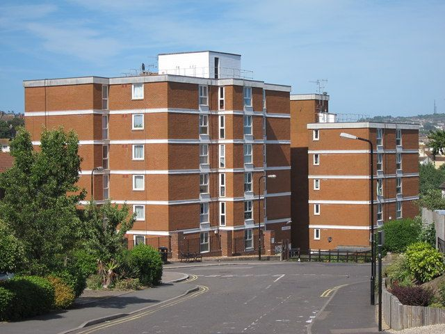 Flats on Holmesdale Gardens