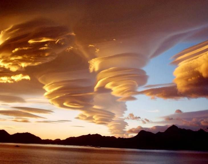 Spiral clouds-Sth Georgia Is.©jollysailor1950.jpg