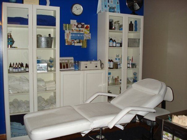 Facial Room Design Ideas Facials Home Spa Studio Pinterest Facial Room Esthetician