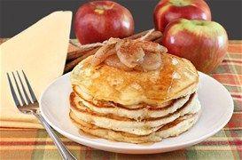 Τηγανίτες με μούσλι, μήλο και κανέλα