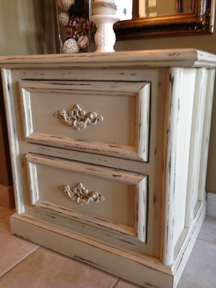 Night Stand Painted Amp Distressed Using Annie Sloan Chalk