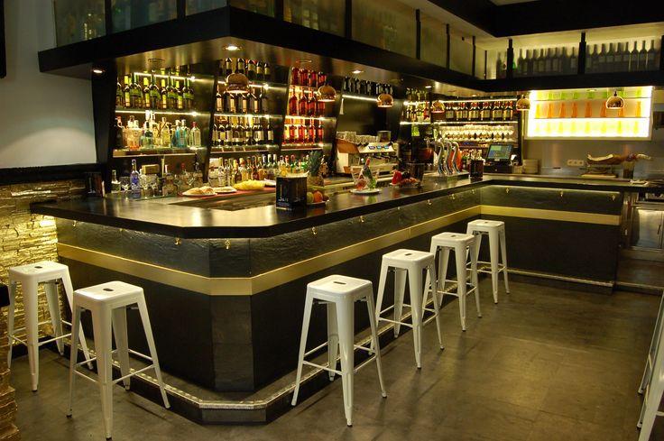 "Restaurant / Bar Interior Design - Silvan Francisco, ""Escalera del 15"", in Madrid. 2014. #decoración #aquitecturadeinterior #business #decoradorMadrid #decoracionMadrid #Madrid #BarriodeSalamanca #superestilo #interiordesign"