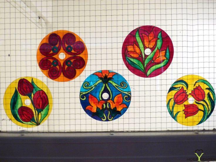 Kreatív ötletek anyák napjára: Anyák napi festett CD    http://www.hobbycenter.hu/Unnepek/anyak-napi-festett-cd.html#axzz2LeuGgCUw