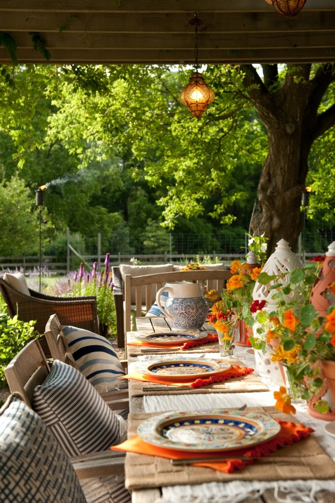 outdoor space for Springtime dining