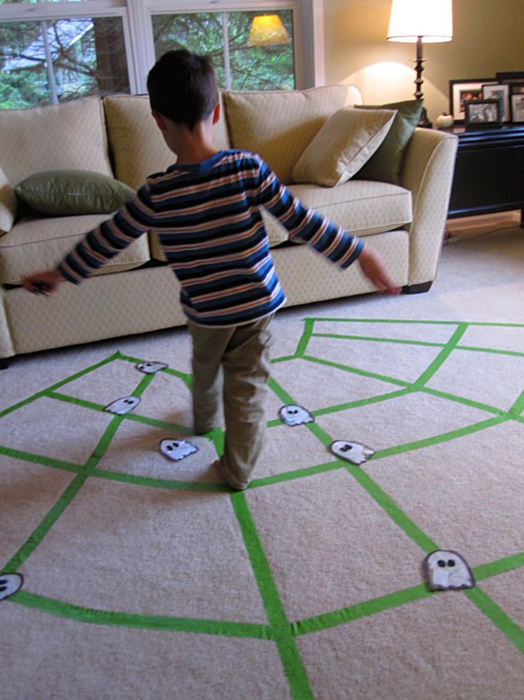 {Spider Web Walking} Halloween game for kids. Awesome for gross motor skills!!!