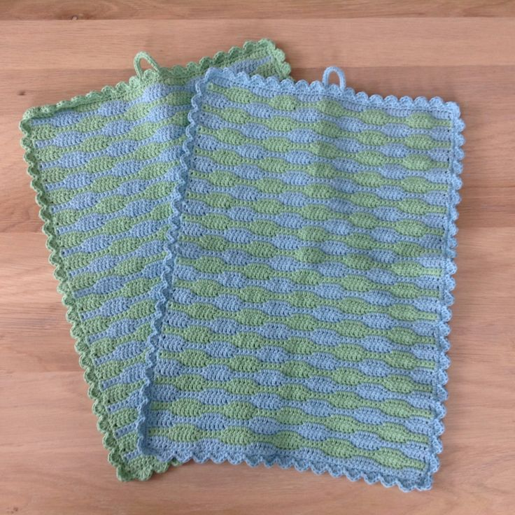 Hæklede køkkenhåndklæder i bølgemønster
