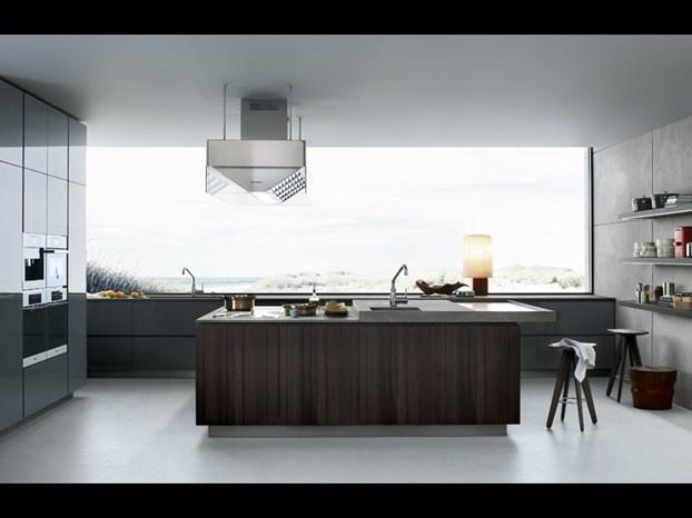 Tante le novità presentate da Poliform e firmate da grandi nomi del design italiano e intenazionale. http://www.leonardo.tv/soggiorno-living/poliform-salone-del-mobile-2012